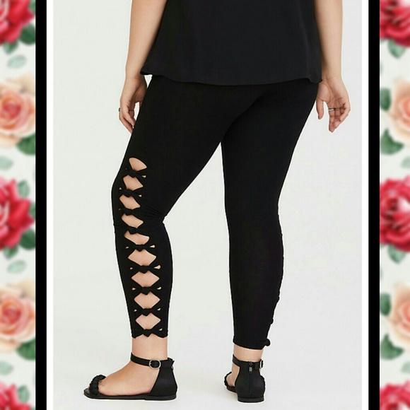 73ecd3e7399 NWT TORRID Side Lattice Full Length Leggings